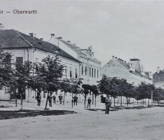 Hauptplatz mit den Gebäuden Hauptplatz 1 bis  11