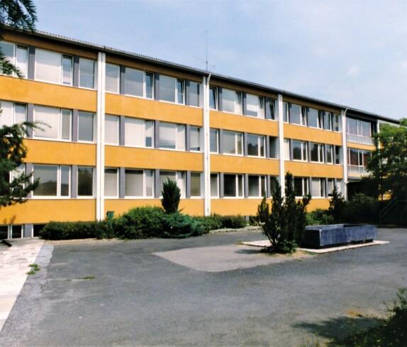 Volksschule als Teil der Zentralschule (Schulgasse 4)